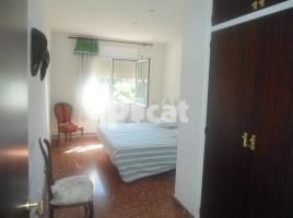 Flat, 162.00 m², 3 bedrooms, near bus and train