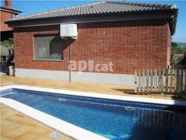 Detached house, 226 m², almost new