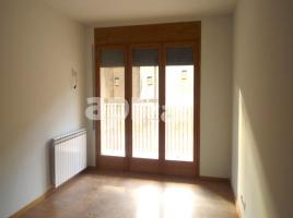 Flat, 106 m², near bus and train, new