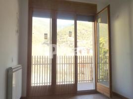 Flat, 111 m², near bus and train, new