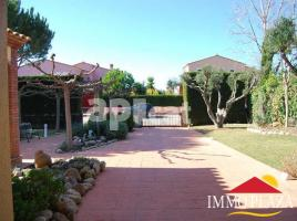 Houses (villa / tower), 1225.00 m²