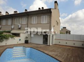 Houses (detached house), 245 m², near bus and train