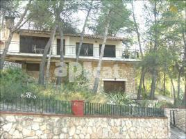 Houses (detached house), 232 m², near bus and train