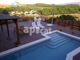 Houses (detached house), 267 m², near bus and train, almost new