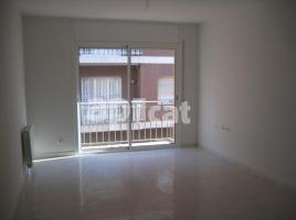 For rent flat, 89.00 m², near bus and train, almost new