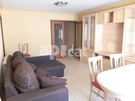 Flat, 108 m², near bus and train