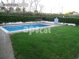 For rent flat, 89 m², near bus and train, oasis