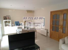 Houses (detached house), 264 m², almost new