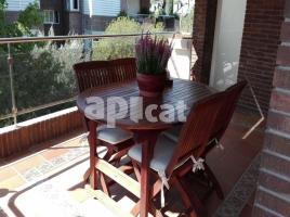 For rent attic, 165 m², near bus and train