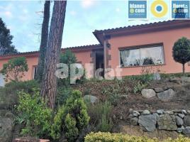 Houses (villa / tower), 170.00 m², almost new