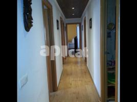 Flat, 119.00 m², near bus and train, almost new, Barcelona