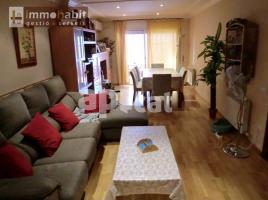 Flat, 140 m², near bus and train