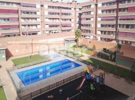 For rent flat, 105 m², near bus and train, almost new
