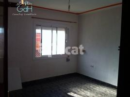 Flat, 44 m², near bus and train