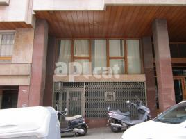 Business premises, 98.00 m², near bus and train, de Teodora Lamadrid