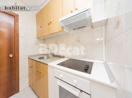For rent flat, 50 m², near bus and train