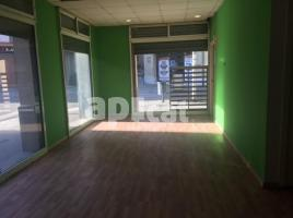 For rent business premises, 130.00 m², near bus and train