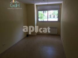 New home - Flat in, 62 m², near bus and train, new