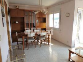 Flat, 82 m², near bus and train