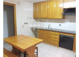 For rent flat, 90 m², centre