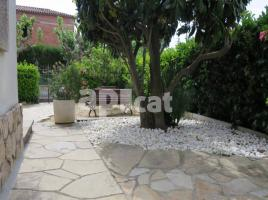 Houses (detached house), 440 m², near bus and train, Centre