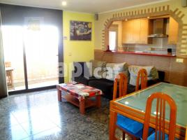 For rent flat, 90 m², near bus and train