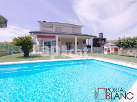 (xalet / torre), 275.00 m²