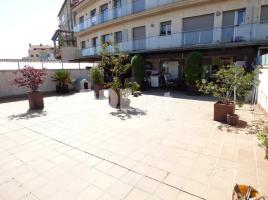 For rent flat, 77 m², near bus and train, almost new