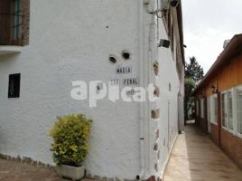 Houses (country house), 2236 m², near bus and train