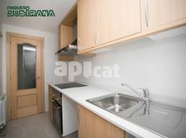 For rent flat, 33 m², near bus and train, almost new, C/ LLEIDA