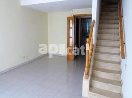 Houses (terraced house), 204.00 m², near bus and train