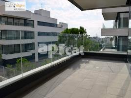 For rent flat, 118 m², near bus and train, new, Zona 2