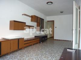 Flat, 85 m², near bus and train